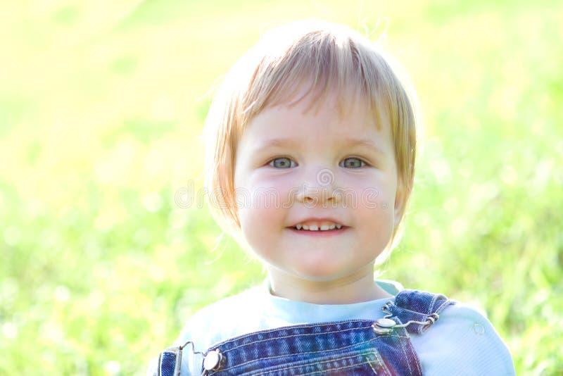 儿童草绿色 免版税库存照片