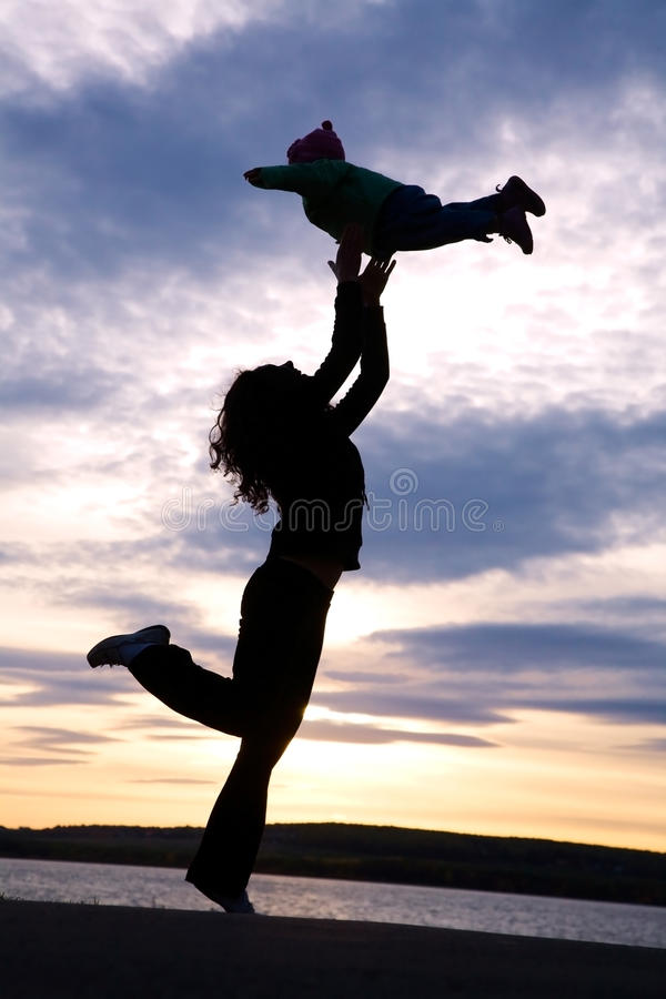 儿童跳舞妈妈 库存照片