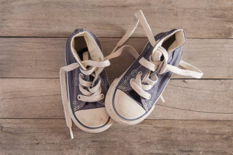 儿童鞋子 库存照片