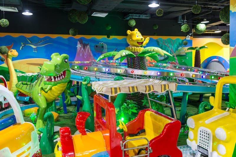 儿童` s游乐园在屋子里 图库摄影