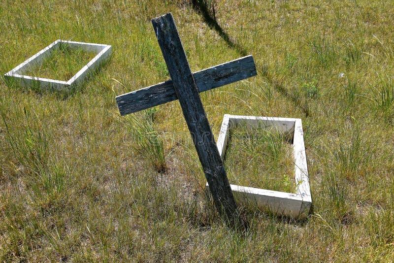 儿童gravesite在一座老公墓 库存图片