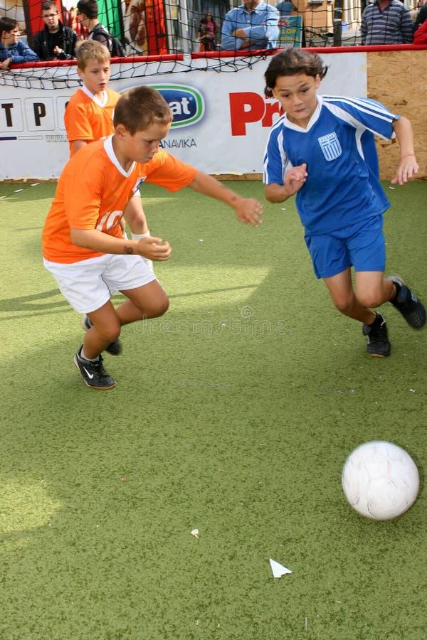 儿童s足球 免版税图库摄影
