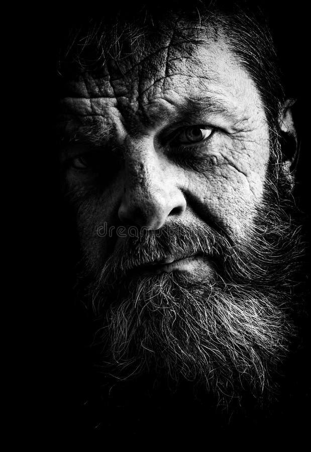 充分地黑白的有胡子的人演播室画象  Closeu 图库摄影