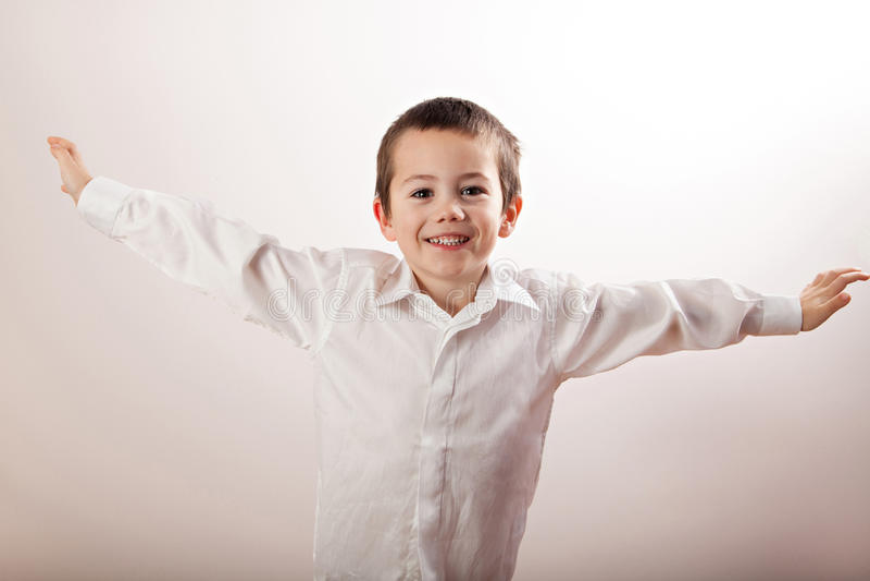 充分小男孩幸福 免版税图库摄影