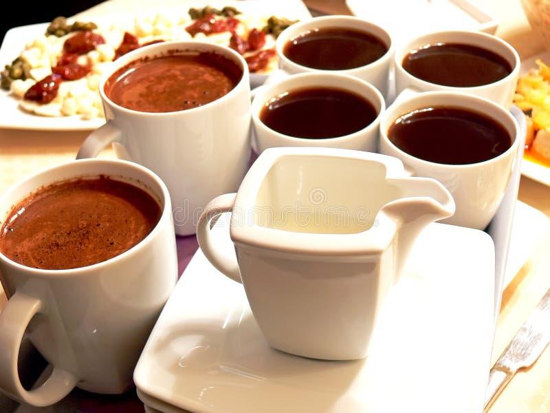 充分的咖啡杯 免版税图库摄影