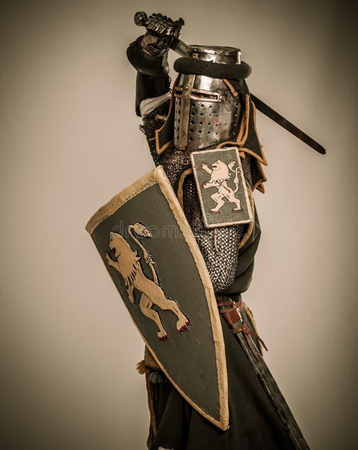 充分的装甲的骑士 免版税库存照片