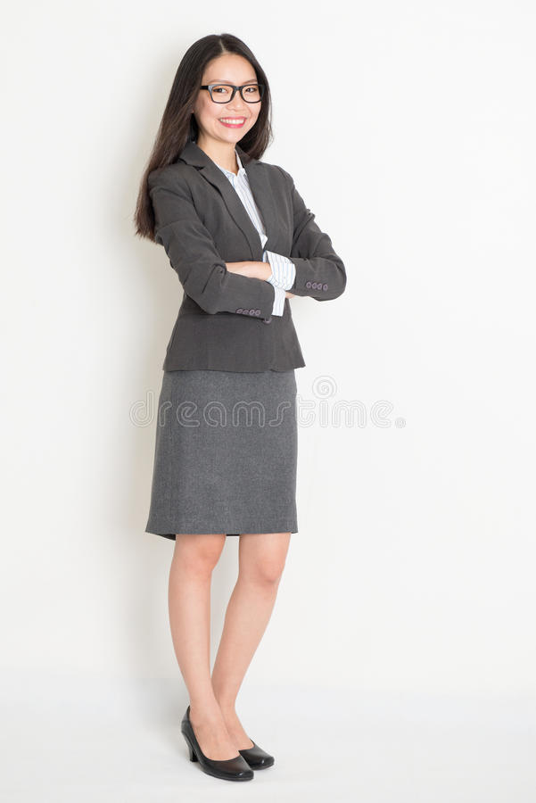 充分的身体确信的亚裔女商人 免版税库存照片