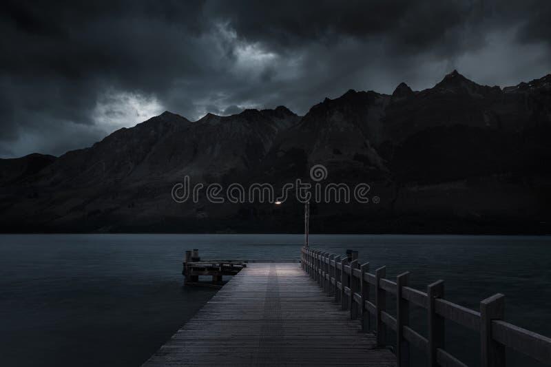 光在黑暗中 图库摄影