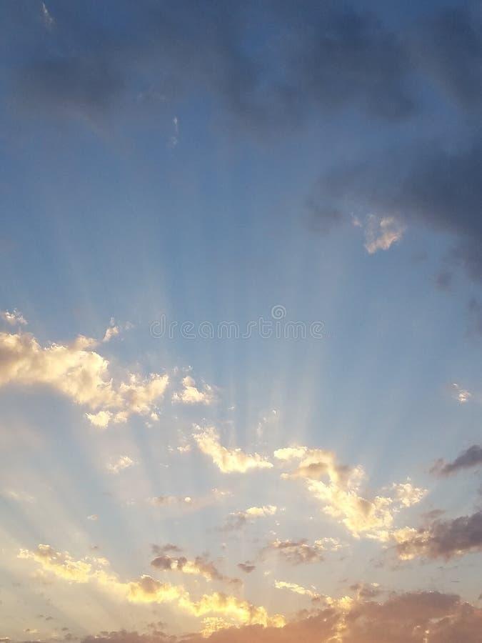 光彩的多云日落2 库存图片