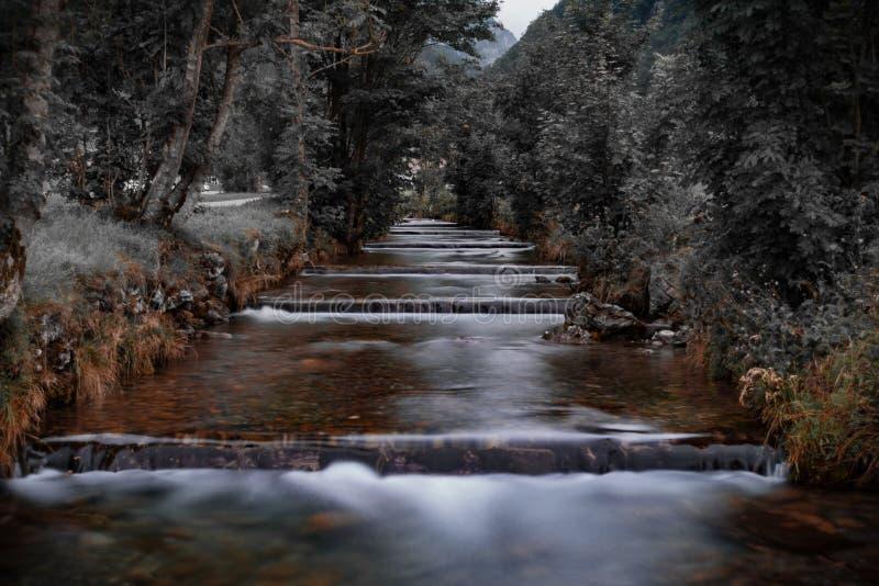 光滑的瀑布 阿彭策尔,瑞士 一个惊人的地点在阿尔卑斯 库存图片