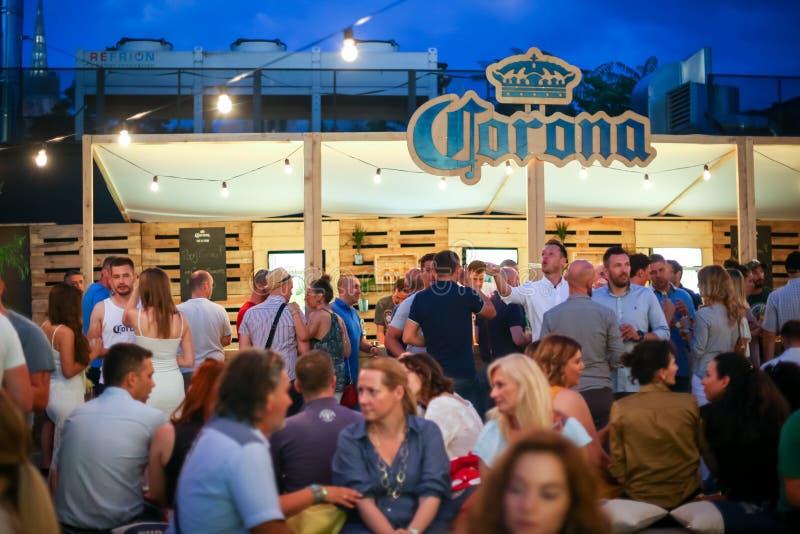 光环日落会议党在萨格勒布,克罗地亚 免版税库存照片