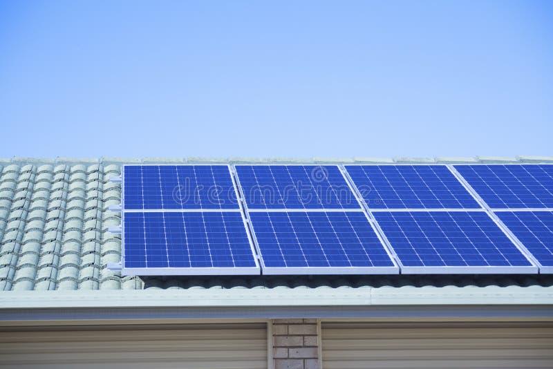 光致电压的太阳能 免版税库存照片
