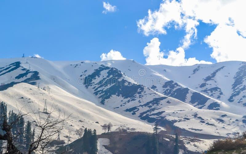 克什米尔的惊人照片也叫'地球上的天堂'印度的最美丽如画的部分,把变成一多雪wonderlan 图库摄影