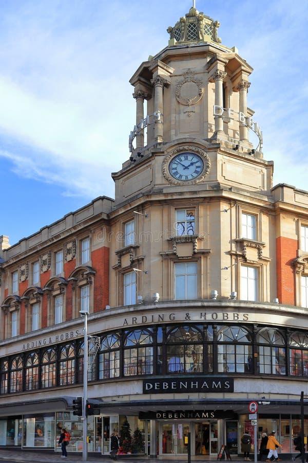 克拉珀姆,伦敦,英国,英国- 2018年11月13日:Debenhams百货店,淡紫色小山分支 免版税库存图片