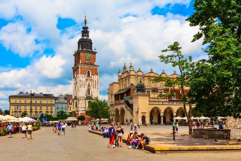 克拉科夫,波兰主要集市广场,城镇厅 免版税图库摄影