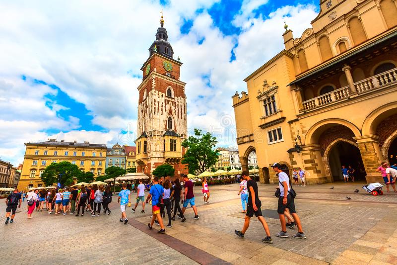 克拉科夫,波兰主要集市广场,城镇厅 免版税库存图片