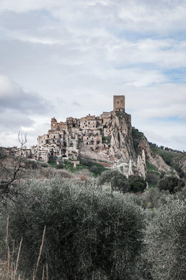 克拉科,在马泰拉附近的鬼城,石头城市 克拉科著名在世界用于影片和做广告 免版税库存照片