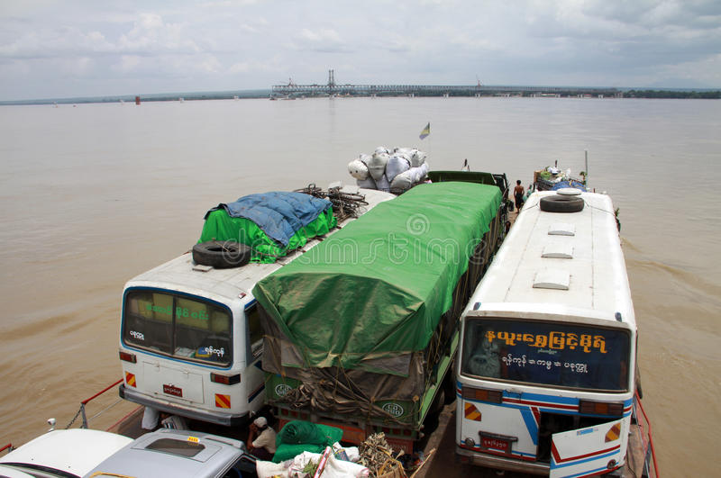 克服的irrawaddy pakokku河 免版税库存照片