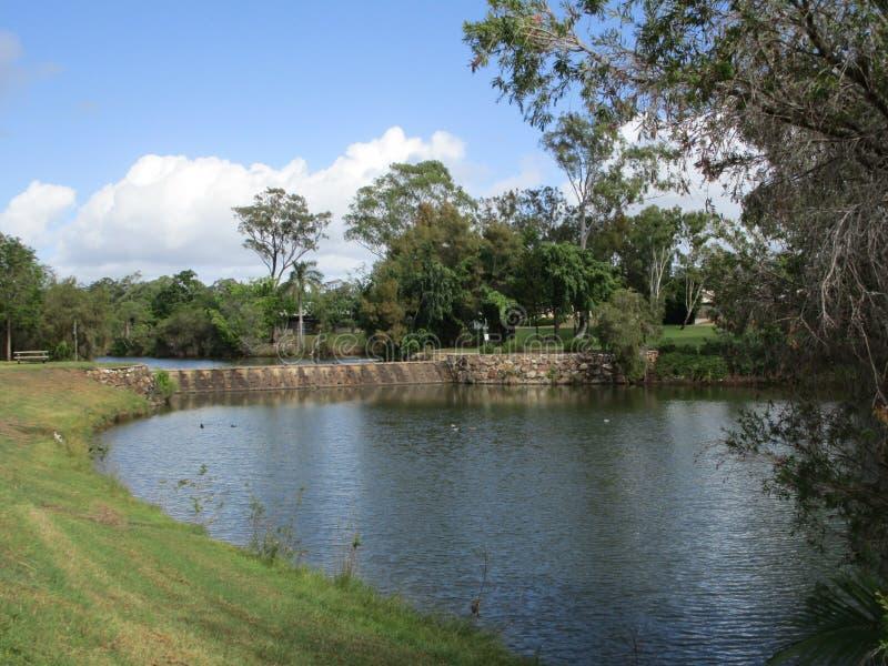 克林顿的,旅行提包,Qld,澳大利亚美丽的湖 免版税库存图片