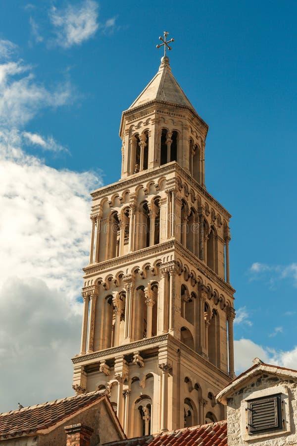 克罗地亚达尔马提亚著名遗产老站点分开的城镇科教文组织世界 Diocletian ` s宫殿 免版税库存照片