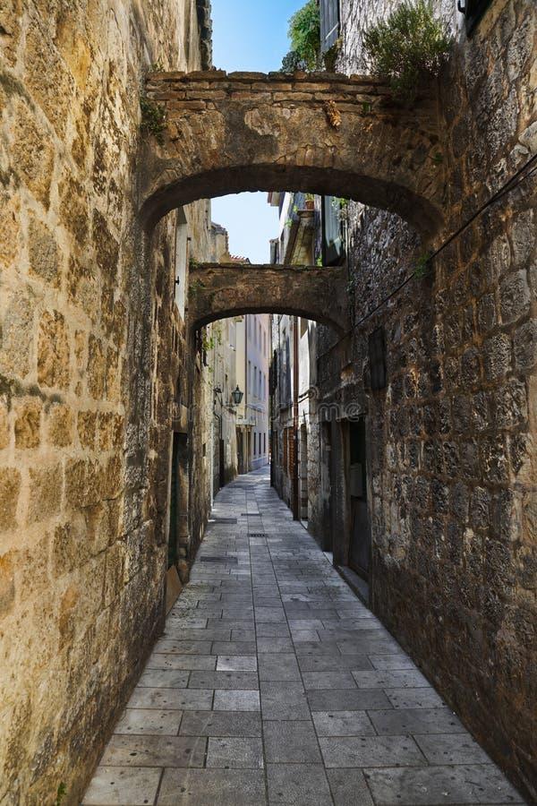 克罗地亚omis街道 免版税库存照片