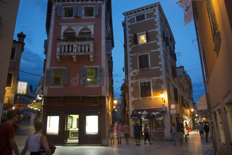 克罗地亚rovinj 热的夏天晚上 免版税库存照片