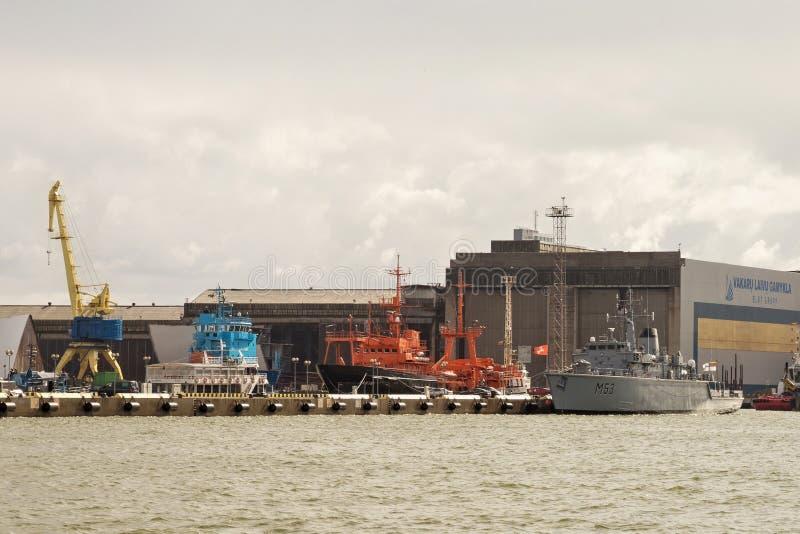 克莱佩达,立陶宛- 2018年9月22日:船M53 Skalvis前英国HMS Cottesmore立陶宛海军和其他 库存图片