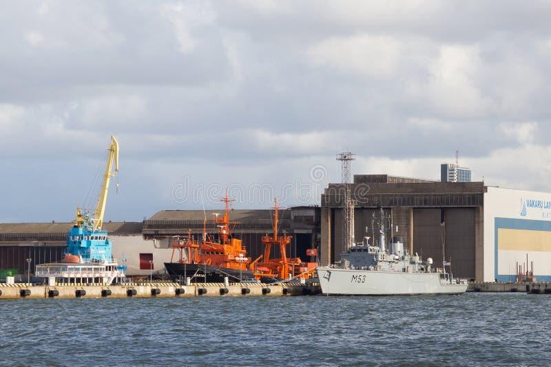 克莱佩达,立陶宛- 2018年9月22日:船M53 Skalvis前英国HMS Cottesmore 免版税库存图片