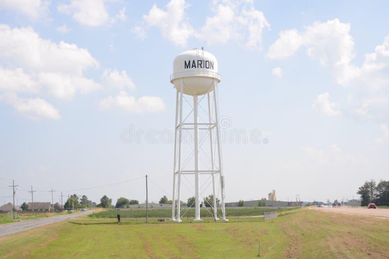 克里坦登县水塔的马里阿肯色 免版税库存图片