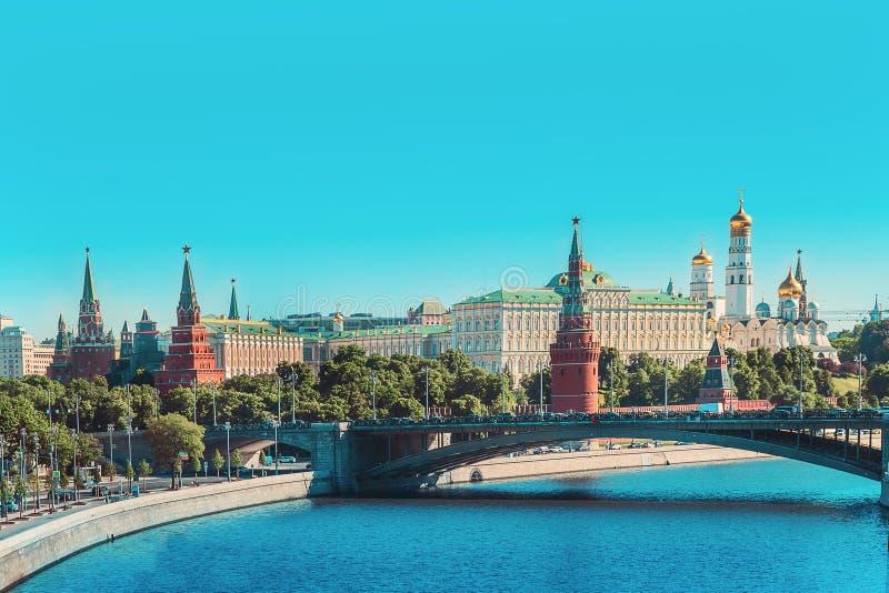 克里姆林宫和河蓝天在早晨,俄罗斯 库存图片