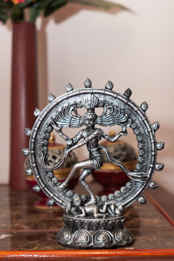 克里希纳金属微型雕象  库存照片