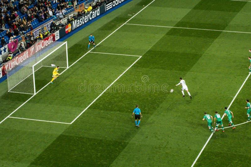 克里斯蒂亚诺罗纳尔多惩罚-皇家马德里对ludogorets 4-0 图库摄影