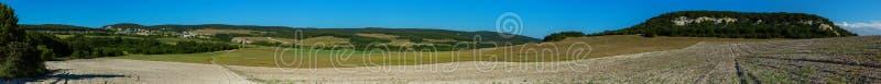 克里米亚半岛半岛Bakhchsarai区的美好的夏天全景  库存照片