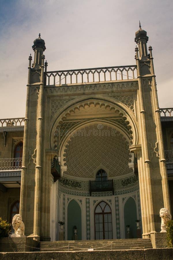 克里米亚沃龙佐夫宫殿大门大理石门廊 免版税库存图片
