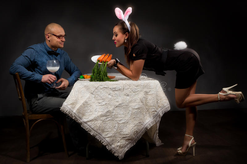可爱的兔宝宝夫妇 图库摄影
