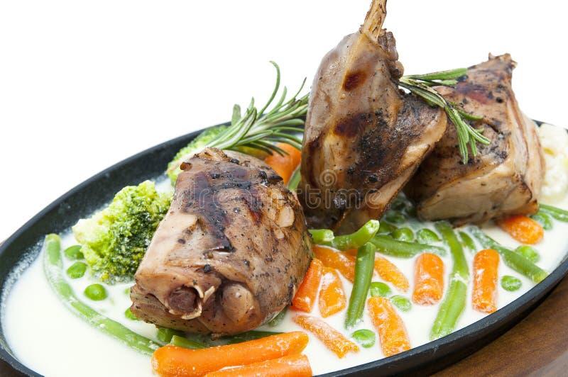 兔子肉和土豆 库存图片