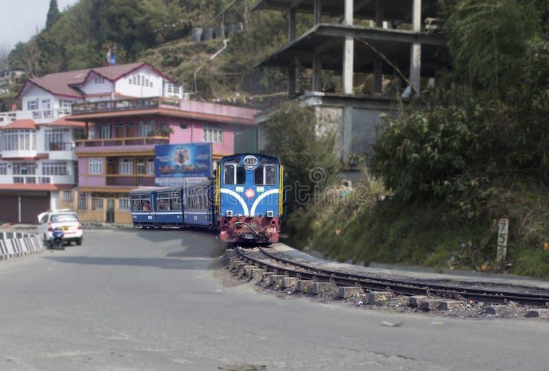 兜风乘从darjeeling的柴油火车到Ghoom驻地 免版税库存图片