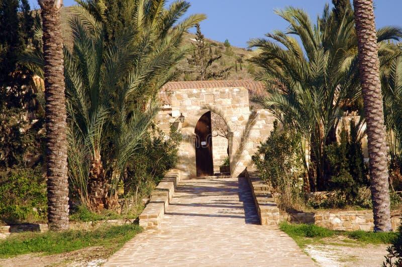 入到贴水乔治斯修道院在Mavrovouni 免版税库存图片