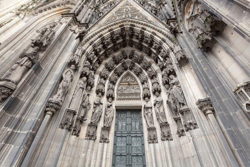 Download 入口向科隆大教堂Dom 科隆,北莱茵-威斯特伐利亚州,德国 库存图片 - 图片 包括有 中世纪, 圣徒: 62539541