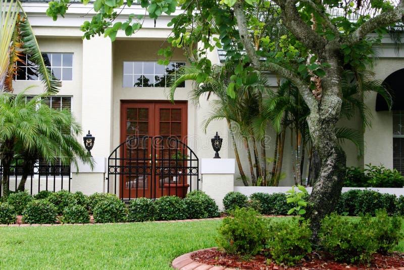 入口装门在家 免版税库存图片