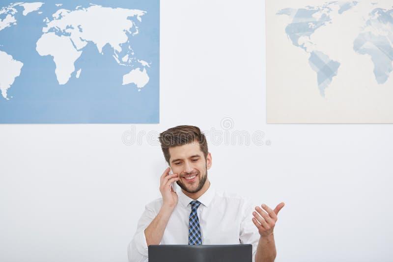 全世界公司的工作者 免版税库存照片