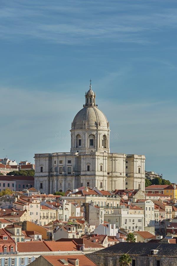 全国万神殿Alfama看法和cityline在里斯本,葡萄牙 库存照片