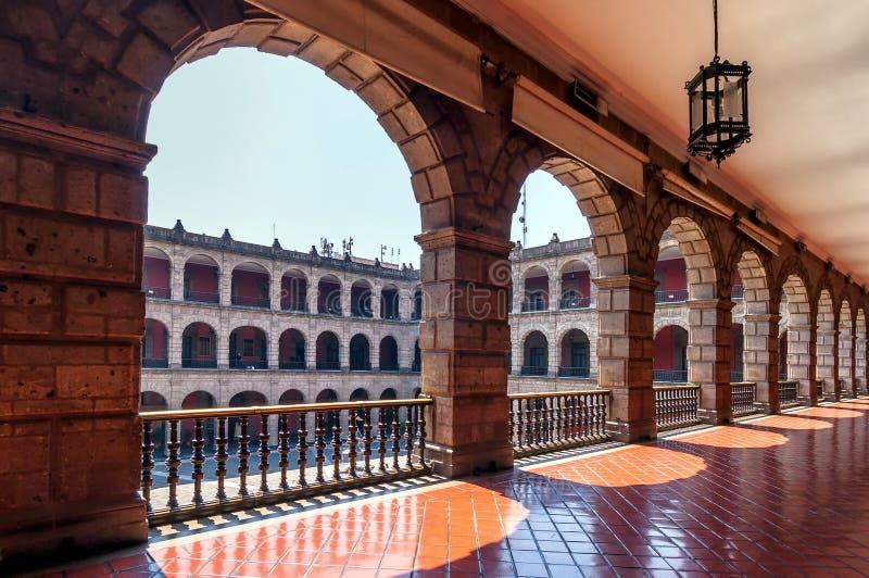 全国宫殿在墨西哥城 免版税库存图片