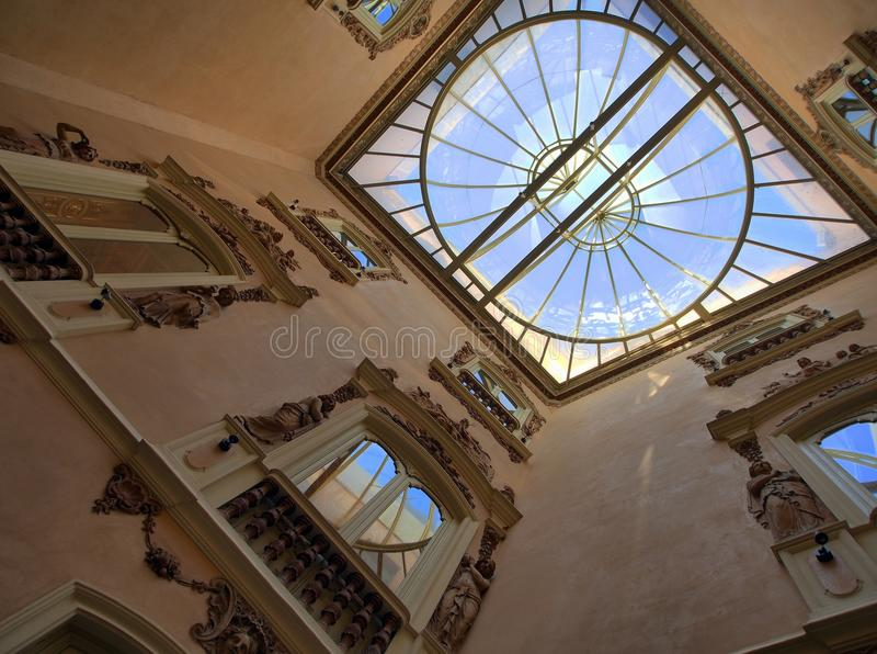 全国陶瓷博物馆、巴伦西亚、词条休息室和心房 库存照片