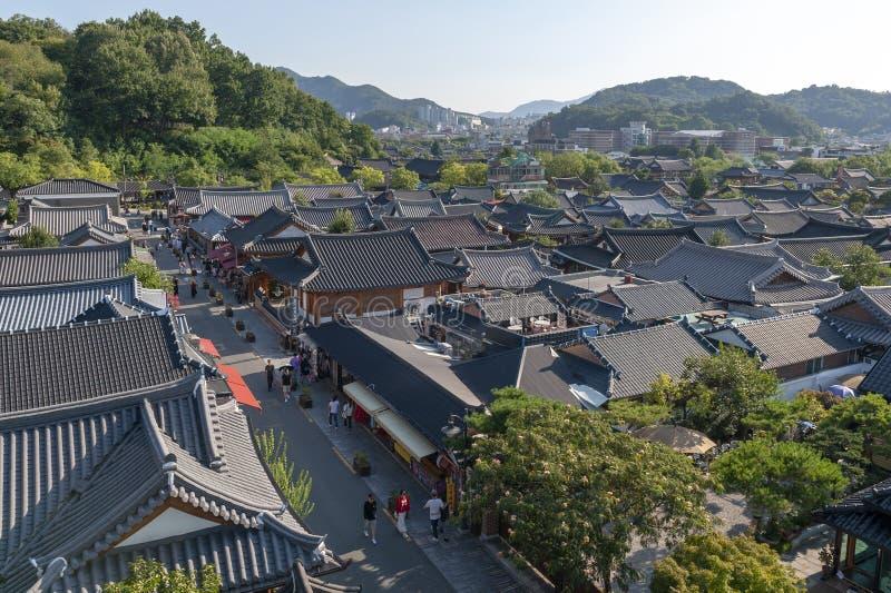 全州Hanok村庄,与韩国传统房子的普遍的旅游景点在韩国 库存照片