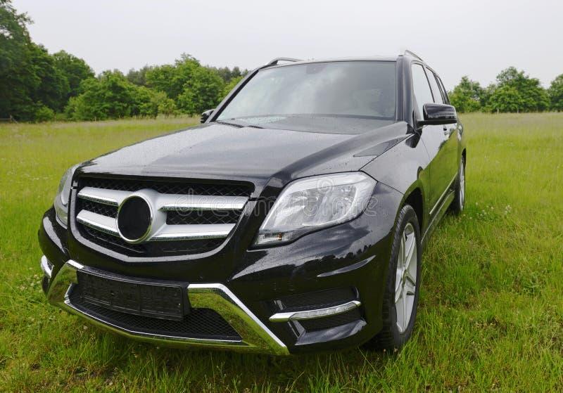 全新的奔驰车GLK,外面SUV 免版税库存照片