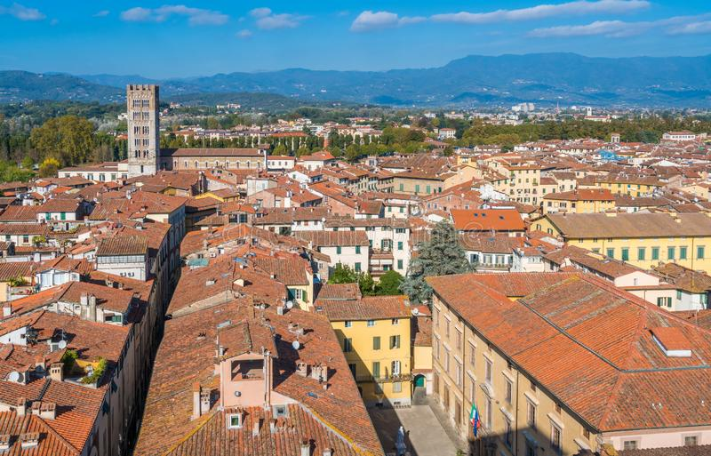 全景在有圣Frediano教会的卢卡 意大利托斯卡纳 图库摄影