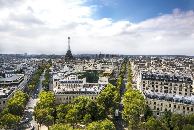 全景巴黎和艾菲尔铁塔 免版税库存照片