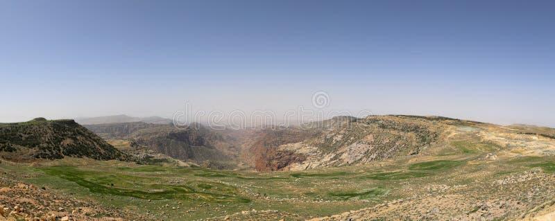 全景沙漠山风景,约旦 图库摄影