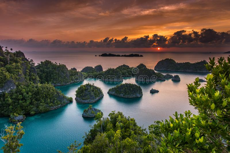 全景海洋储备王侯Ampat在新几内亚 图库摄影